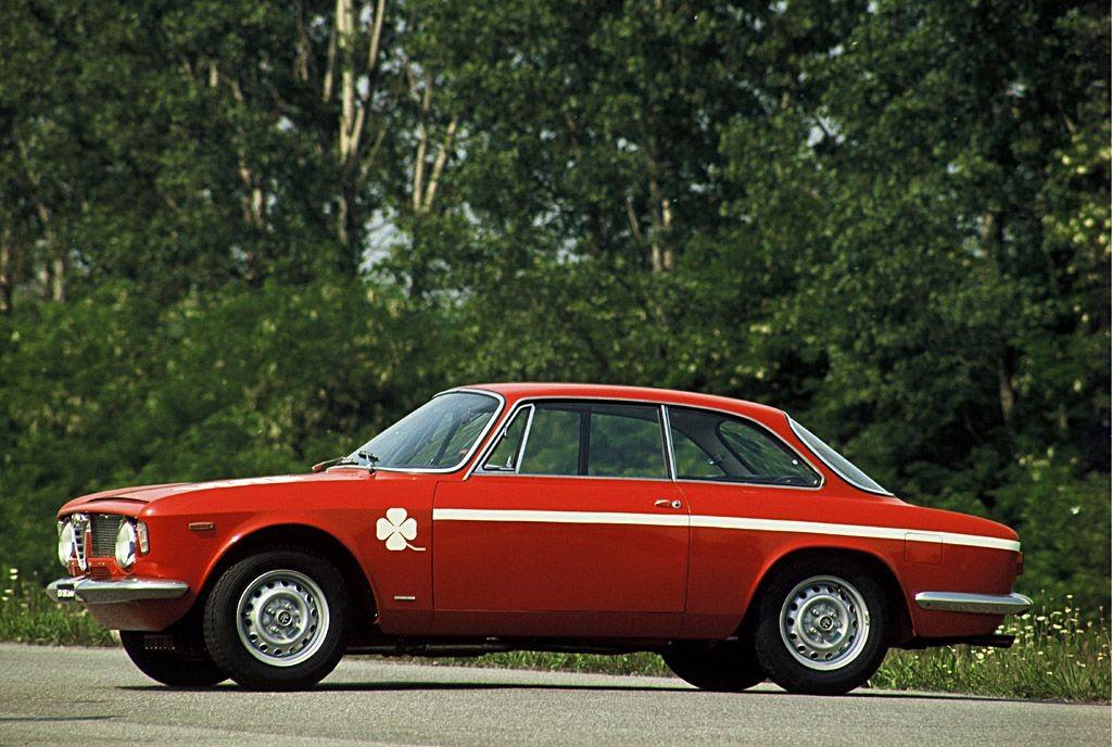 image giulia-coupe-1300-gta-junior-jpg
