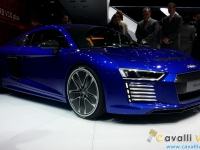 Audi-R8-e-tron-Ginevra-Live-2