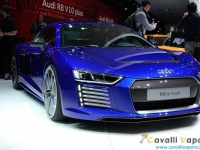 Audi-R8-e-tron-Ginevra-Live-8