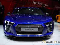 Audi-R8-e-tron-Ginevra-Live-9