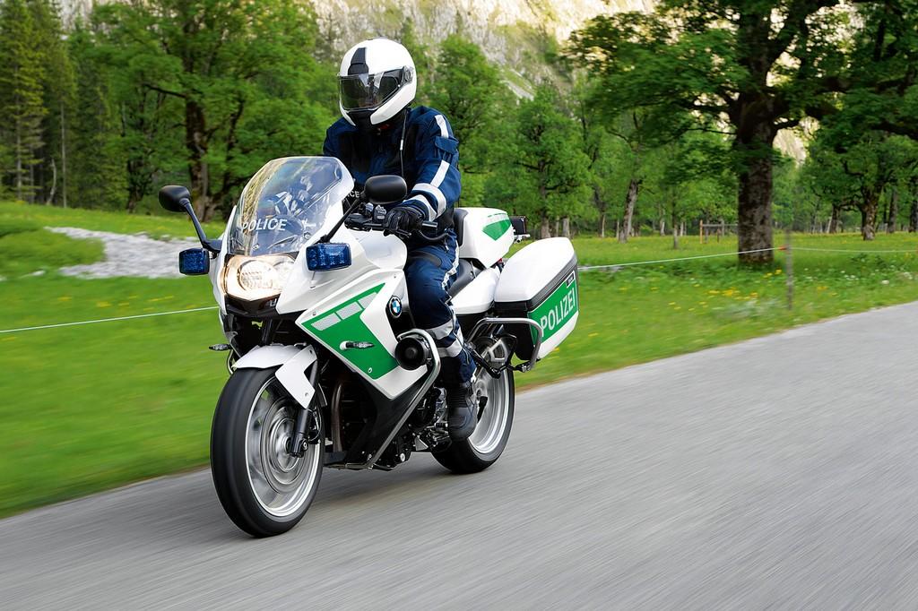 image bmw-motorrad-polizei-jpg
