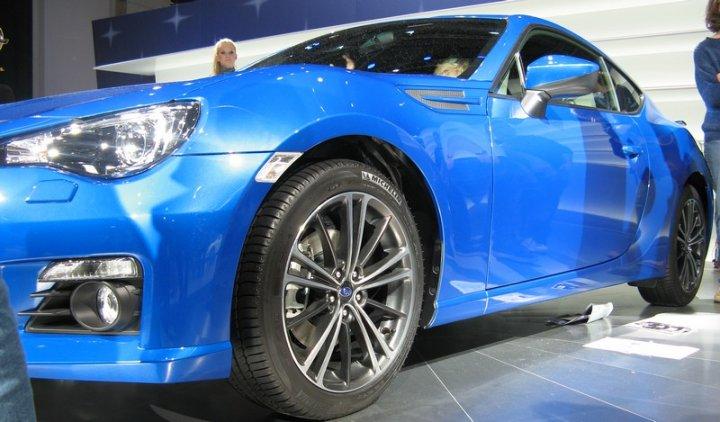 Subaru-BRZ-Tre-Quarti