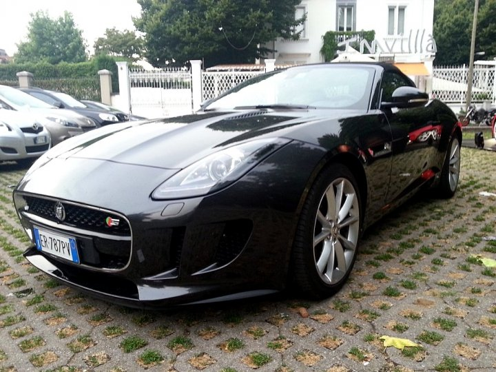jaguar-f-type-burning-desire-milano-08