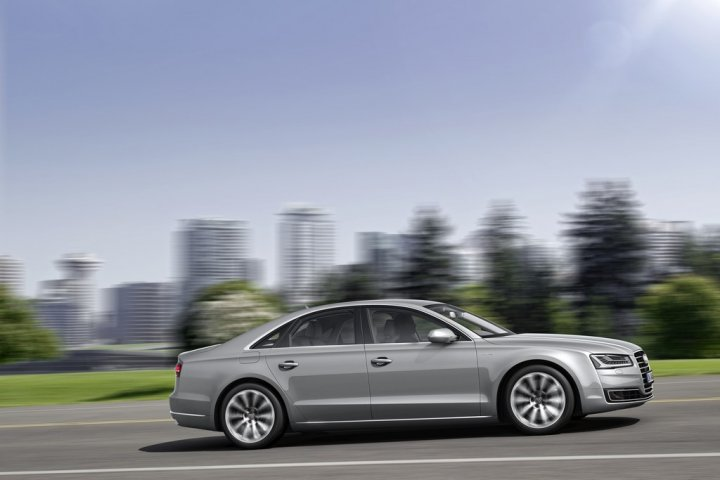 audi-a8-laterale