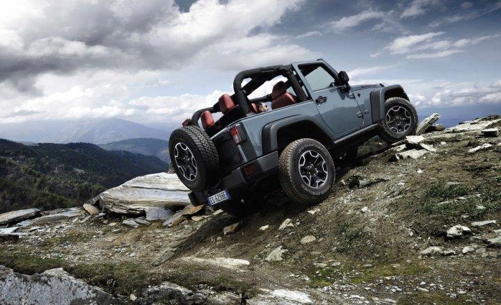 jeep-wrangler-rubicon-10th-anniversary-tre-quarti-posteriore