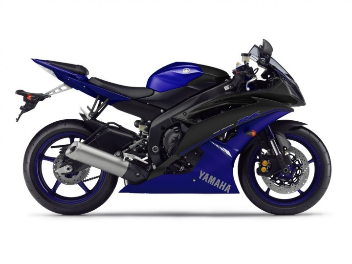 yzf-r6-race-blu-my-2014-laterale-destro