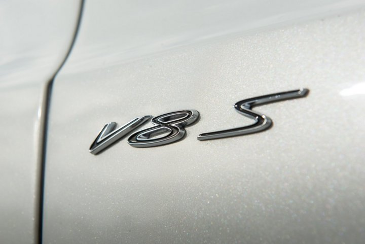 bentley-continental-gt-v8-s-coupe-logo