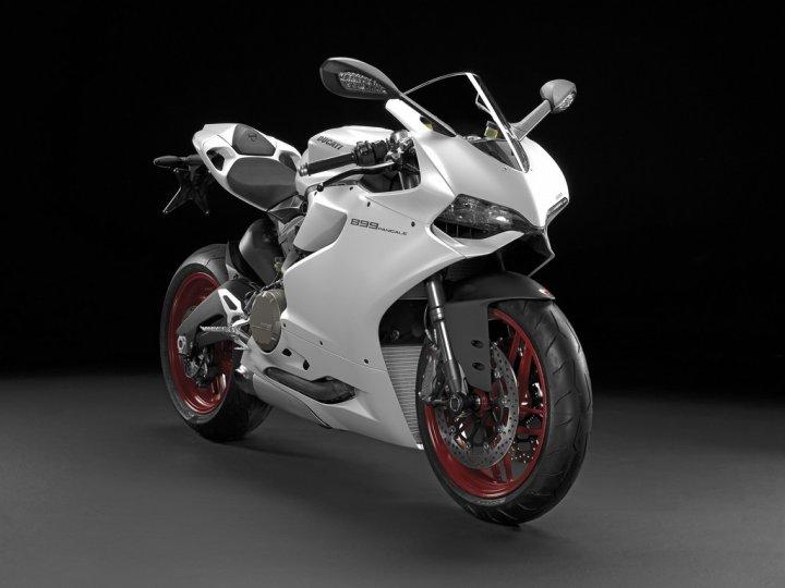ducati-899-panigale-arctic-white-silk-tre-quarti-anteriore