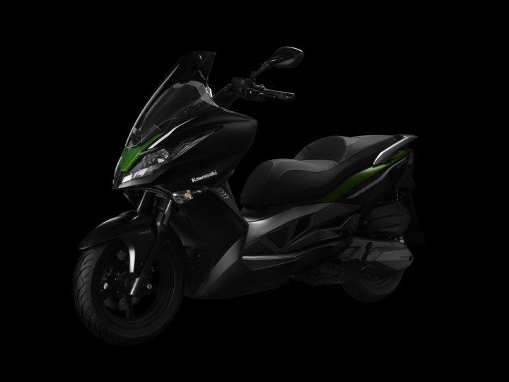 kawasaki-j300-scooter-01