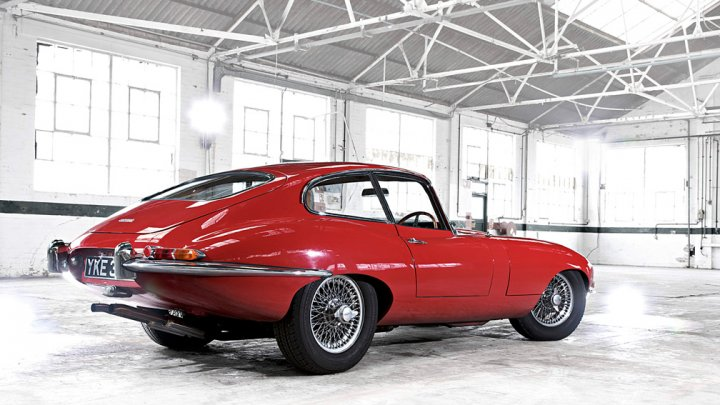 jaguar-e-type-retro
