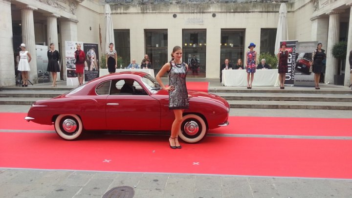 stelle-sul-liston-2013-fiat-100-carrozzeria-savio-sfilata_2