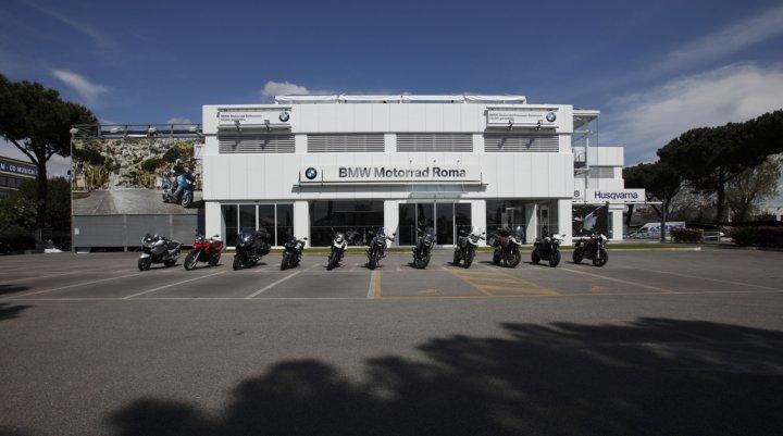 bmw-motorrad-roma-esterno