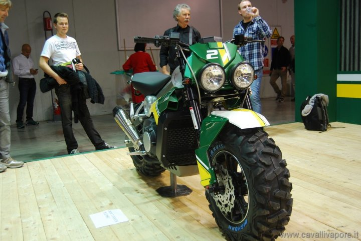 caterham-bike-eicma-2013-live-04