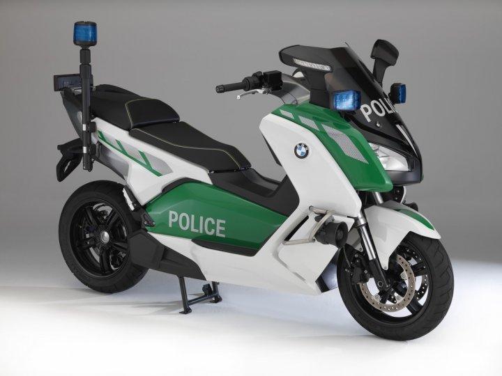 bmw-c600-evolution-polizia-concept