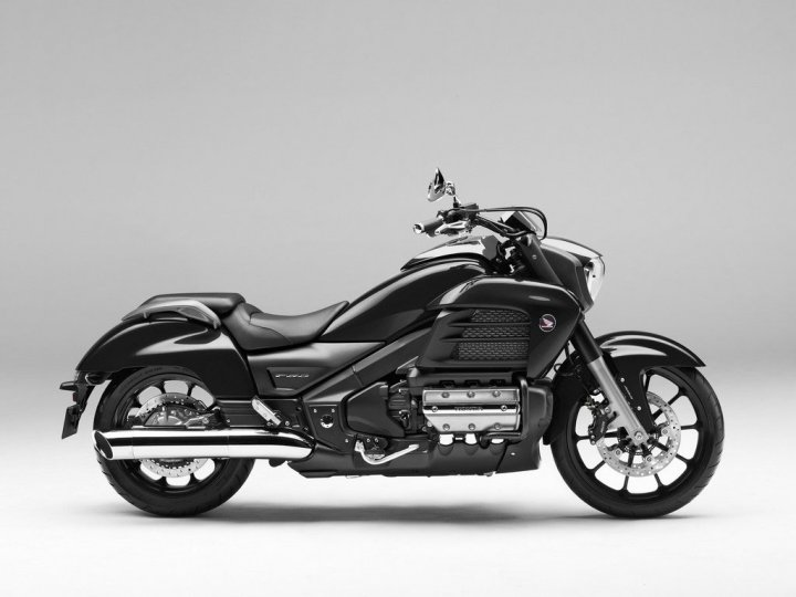 honda-gold-wing-f6c-graphite-black-laterale