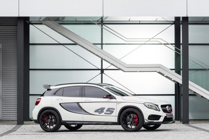 mercedes-concept-gla-45-amg-laterale