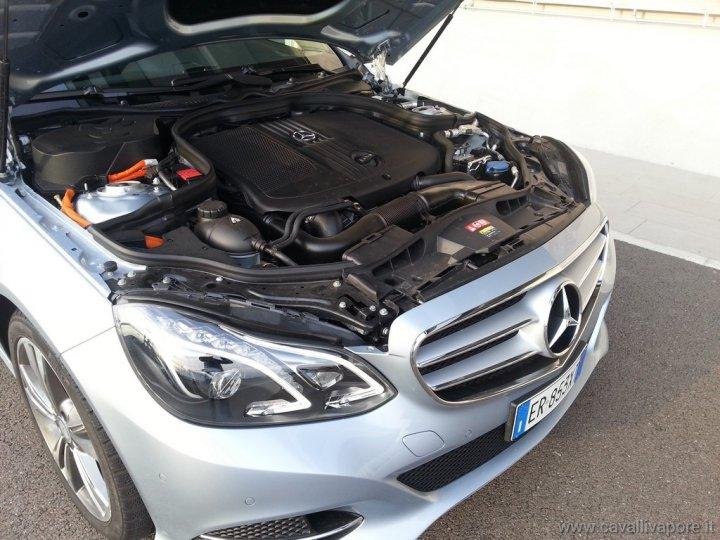 mercedes-classe-e-hybrid-autodromo-modena-live-29