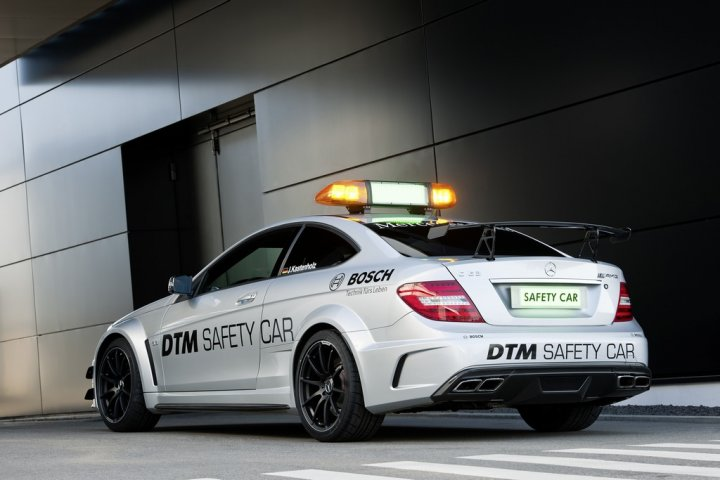 mercedes-c-63-amg-black-series-safety-dtm-posteriore