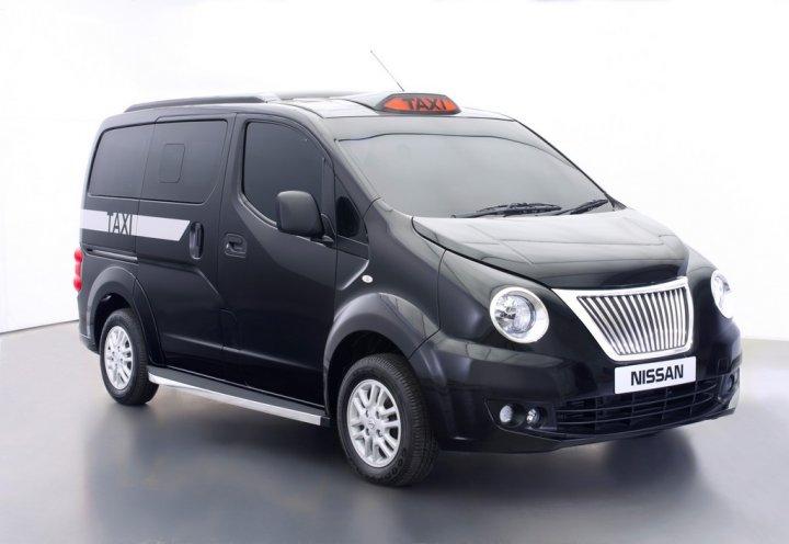 nissan-nv200-black-cabs-01