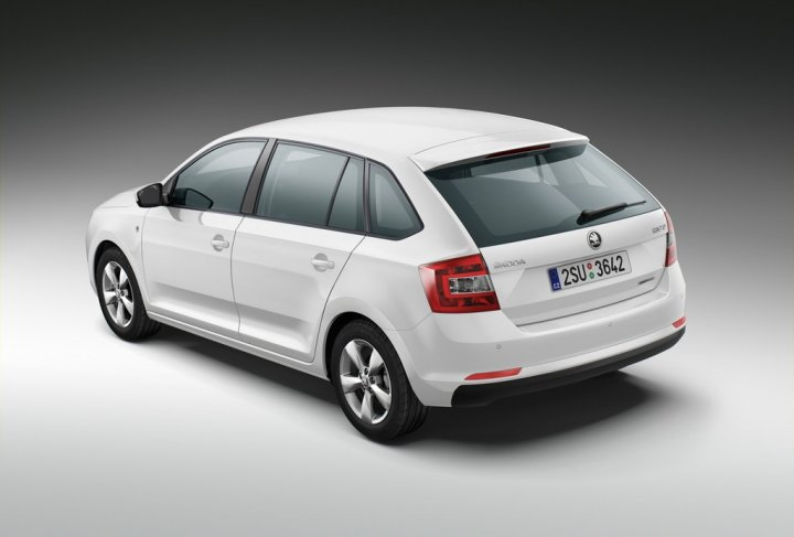 skoda-rapid-spaceback-greenline-tre-quarti-posteriore