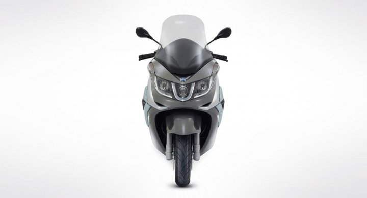 Piaggio-X10-Fronte