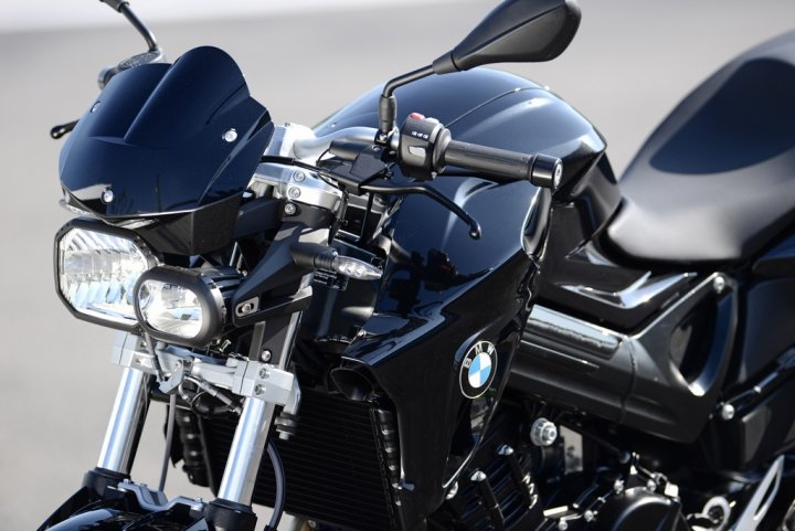 bmw-f-800-r-all-black-fronte