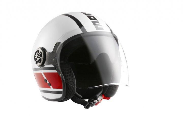 yamaha-x-max-400-momodesign-casco-jet