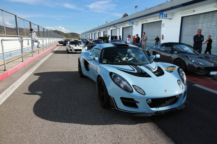 cli-club-lotus-italia-in-pista