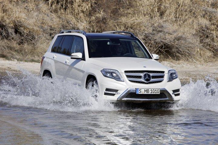 Mercedes-Benz-GLK-2012-Off-Road