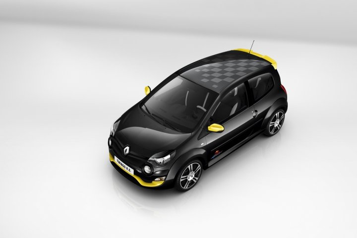 renault-twingo-rs-red-bull-rb7-alto