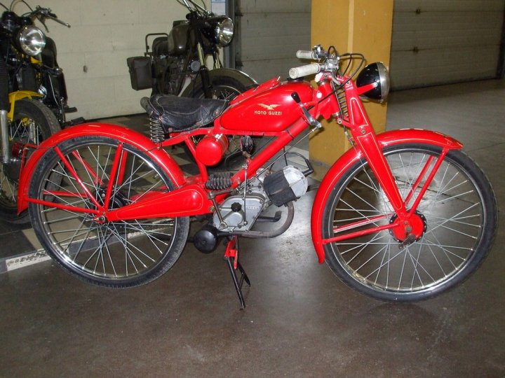 Moto-Guzzi-65-Guzzino