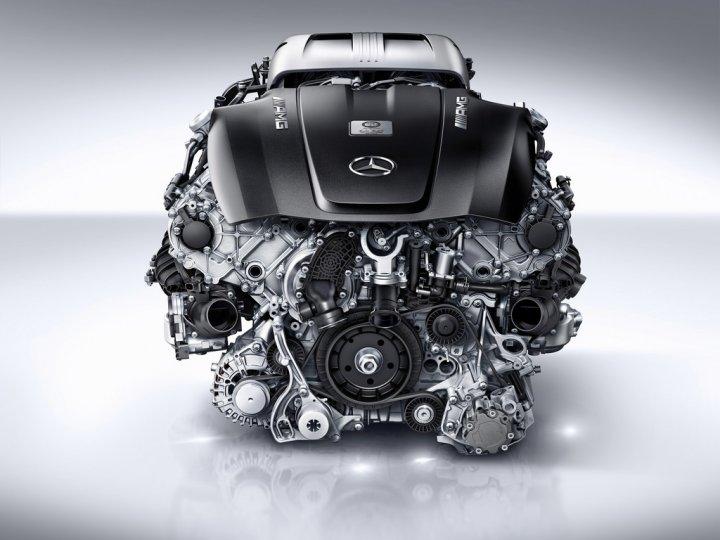 Mercedes-Nuovo-Motore-AMG-4-Litri-V8-Biturbo-11