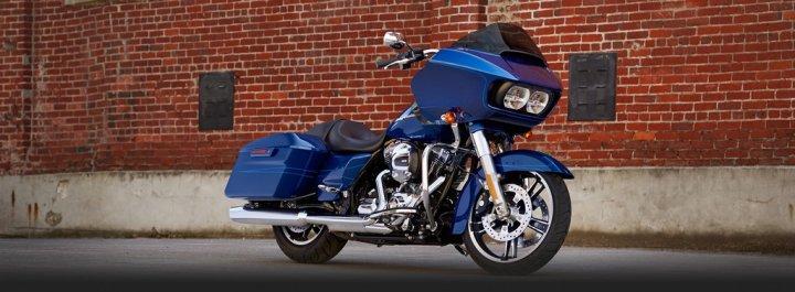 Harley-Davidson-Road-Glide-Special-tre-Quarti-Anteriore