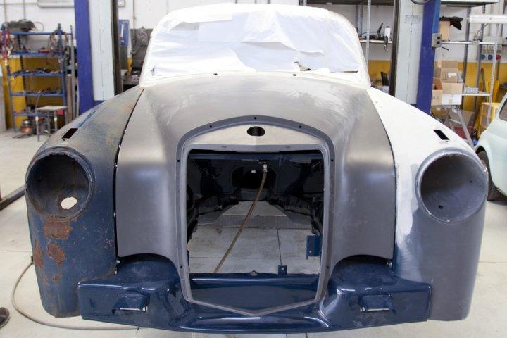Mercedes-Ponton-220a-19