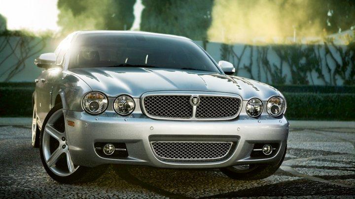 jaguar-xj-2008