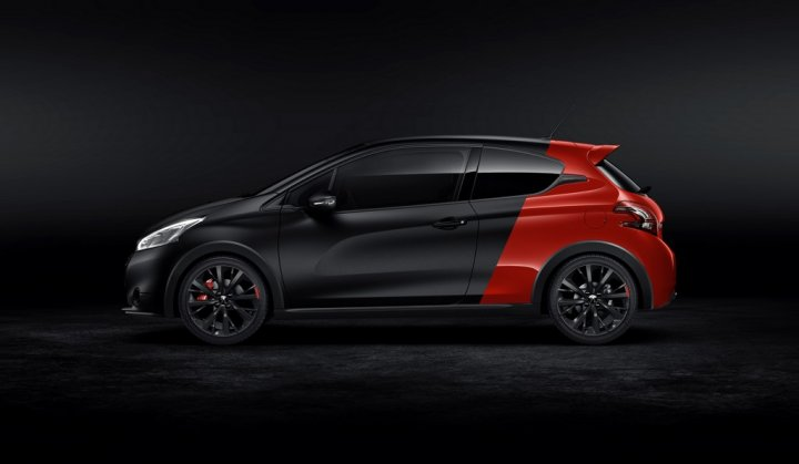 Peugeot-208-GTi-30th-Laterale