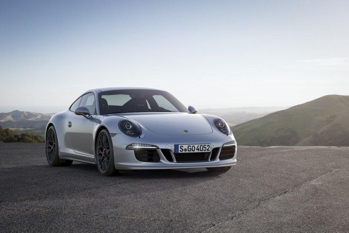 Porsche-911-Carrera-GTS-8
