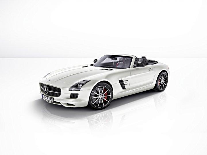 Mercedes-SLS-AMG-GT-Roadster