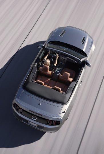 ford-mustang-gt-cabrio-2013-alto