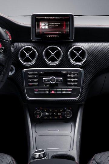 Mercedes-Nuova-Classe-A-Interni