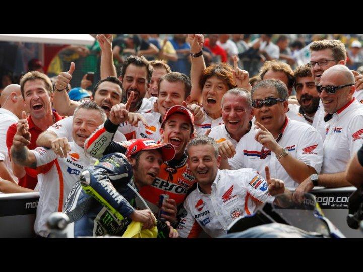 MotoGP-2014-Sepang-Marc-Marquez-Valentino-Rossi-3