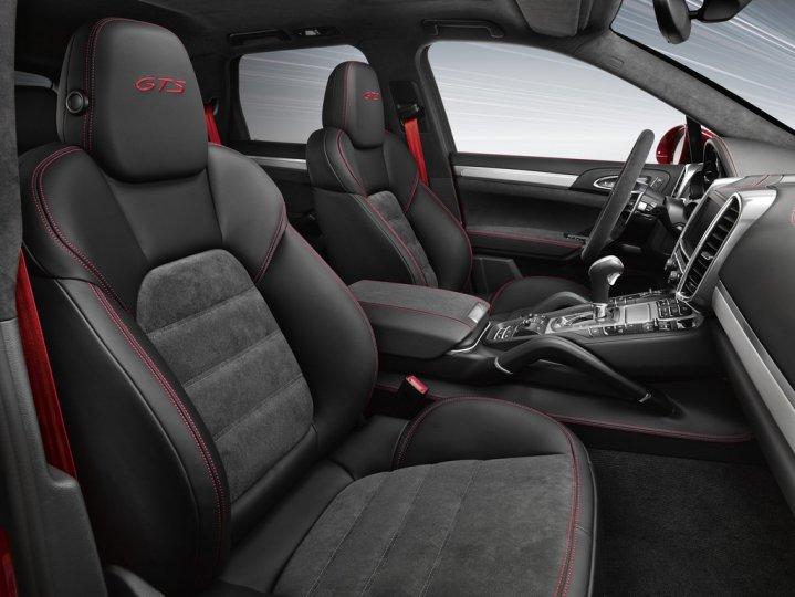 Porsche-Cayenne-GTS-Interni