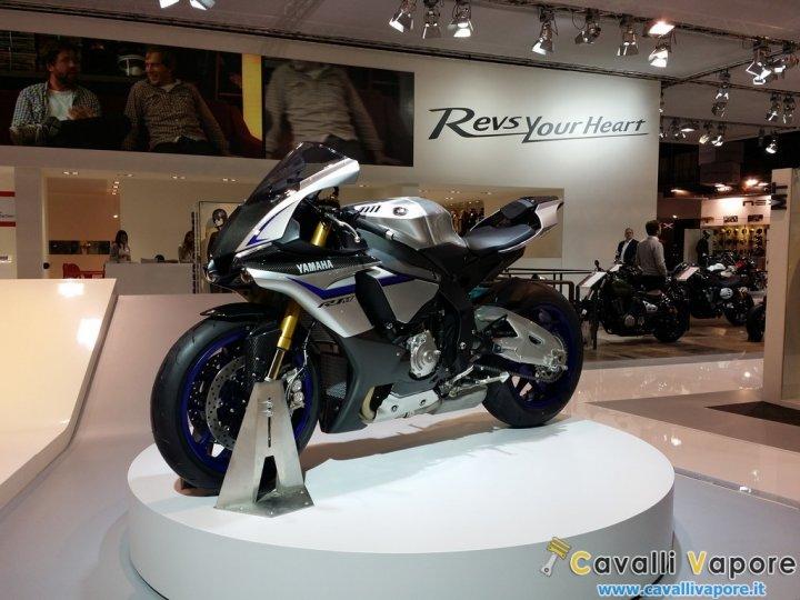 Yamaha-R1-2015-EICMA-LIVE-1