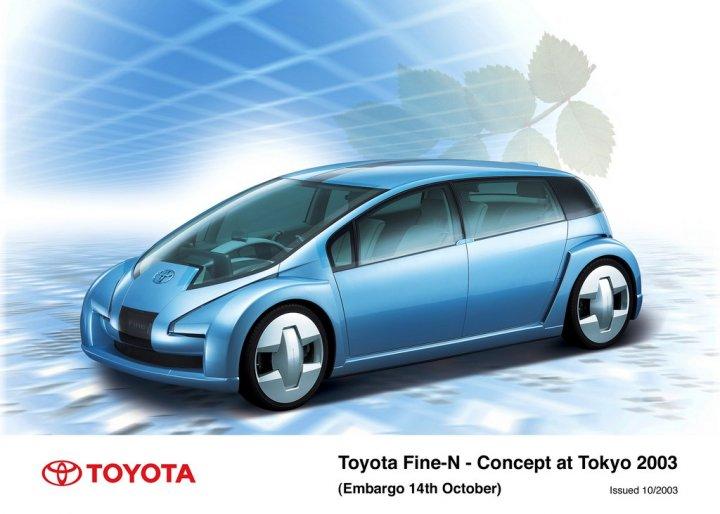 Toyota-Fine-N-2003