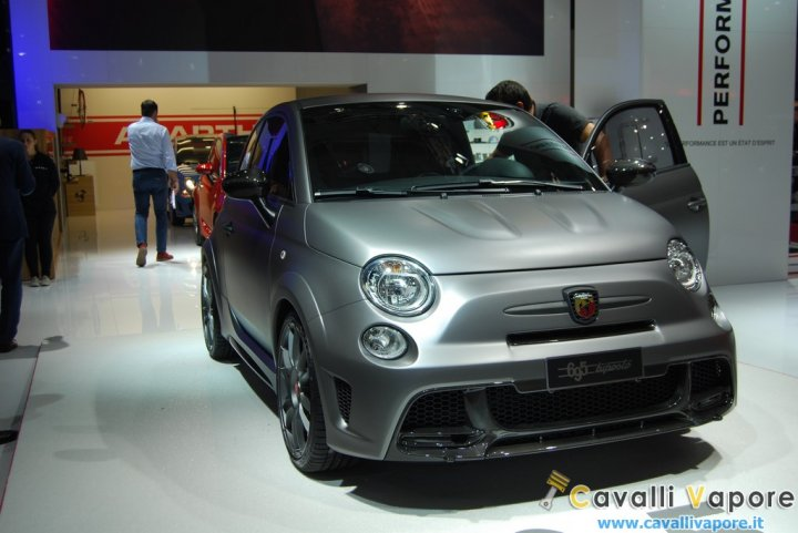 Abarth-695-Biposto-LIVE-1