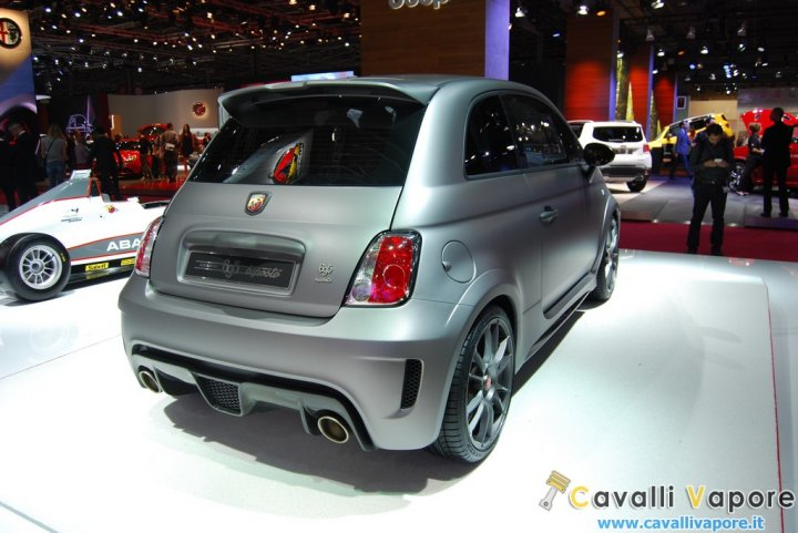 Abarth-695-Biposto-LIVE-5