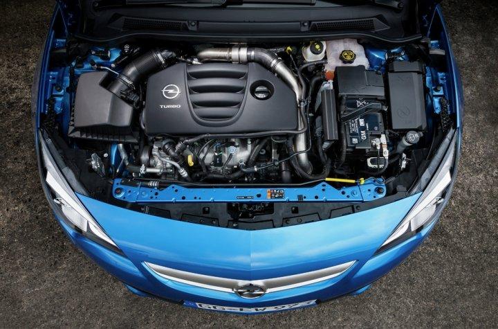 Opel-Astra-OPC-Motore
