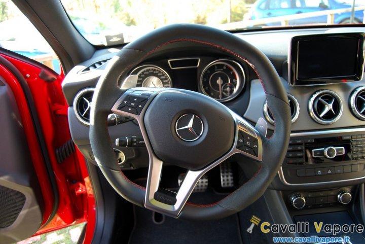 Mercedes-GLA-45-AMG-Prova-24