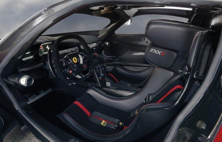 Ferrari-LaFerrari-FXX-K-Interni