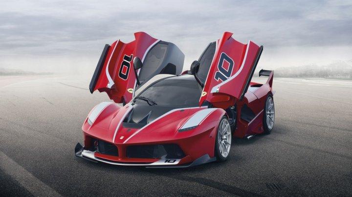 Ferrari-LaFerrari-FXX-K-Tre-Quarti